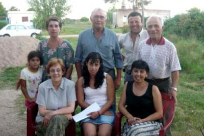 20090329154538-vecinos-carrasco-del-sauce.jpg
