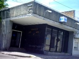 CANELONES. Policías canarios accederían a viviendas del BHU