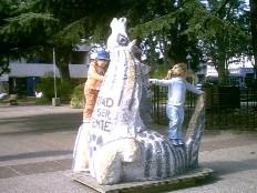 CANELONES CAPITAL. Esculturas para mirar y usar, sin abusar, durante 2 meses.
