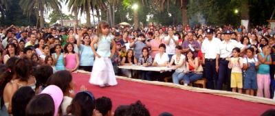 En la elección de las Reinas de Sauce -para Reina del Carnaval Canario- Constanza Capote se ganó todos los aplausos.