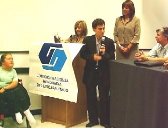 La Comisión del Discapacitado distinguió al edil Fernando Lúquez con el Eslabón Solidario 2006.