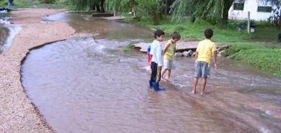 Confirman daños de inundaciones por errores en vialidad