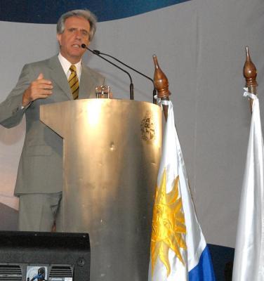 El Presidente Vázquez habla en Santa Lucía