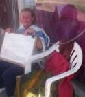 Encadenada y en huelga de hambre protesta contra decisión judicial