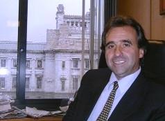 Diputado Monzeglio propone subvencionar vuelos charter para traer turistas