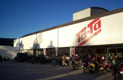 TA-TA inauguró donando