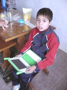 Llegan las computadoras verdes para los escolares sanramonenses