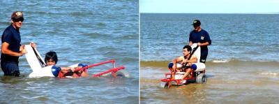 Sillas anfibias para que los discapacitados puedan entrar al agua en la playa