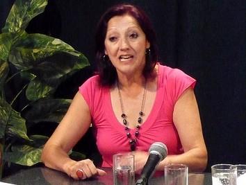 Edila (FA) Rosario Villareal: reconoció labor de bomberos canarios
